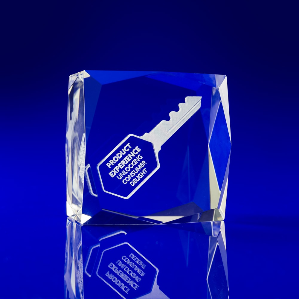 Facet Square, Holographic engraving, crystal paperweights, glass paperweights engraved, Corporate gifts paperweights, crystal paperweights, crystal engraved paperweights, engraved 3D gifts, glass paperweights